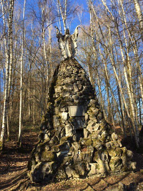 le monument du sacré coeur à crupet